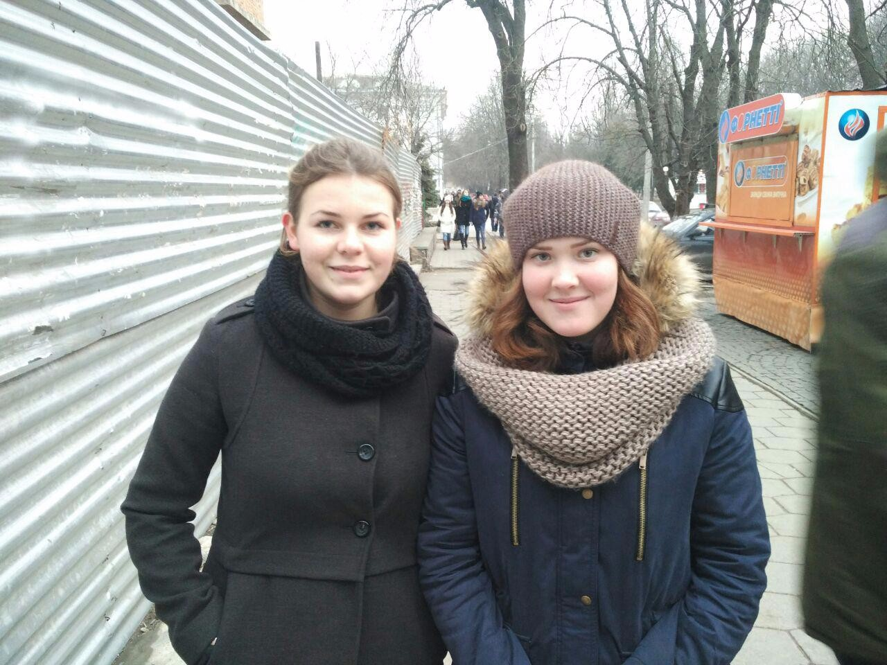 Приклад фото благодійників для соцмереж — Людмила Легка та Віктория Христенко