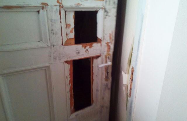 Другі постраждалі двері