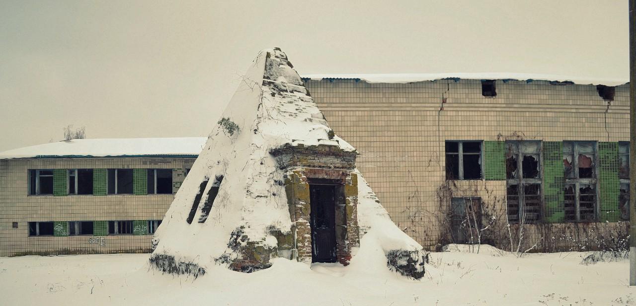 Піраміда-усипальниця Закревських сьогодні
