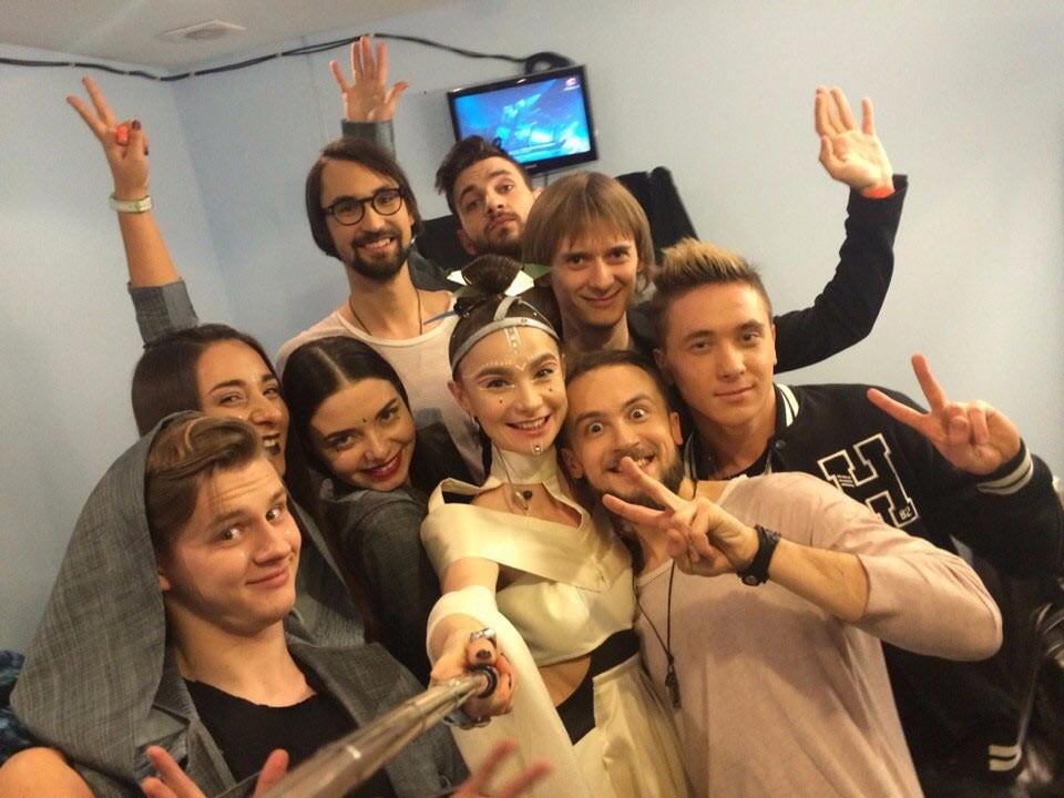 Гурт і команда вболівальників під час фіналу відбору на Євробачення