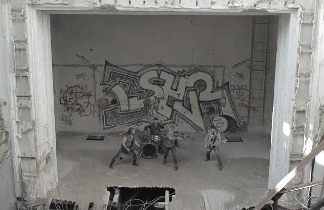 Гурт «Pochep Beat» у колишній актовій залі Кадетського корпусу