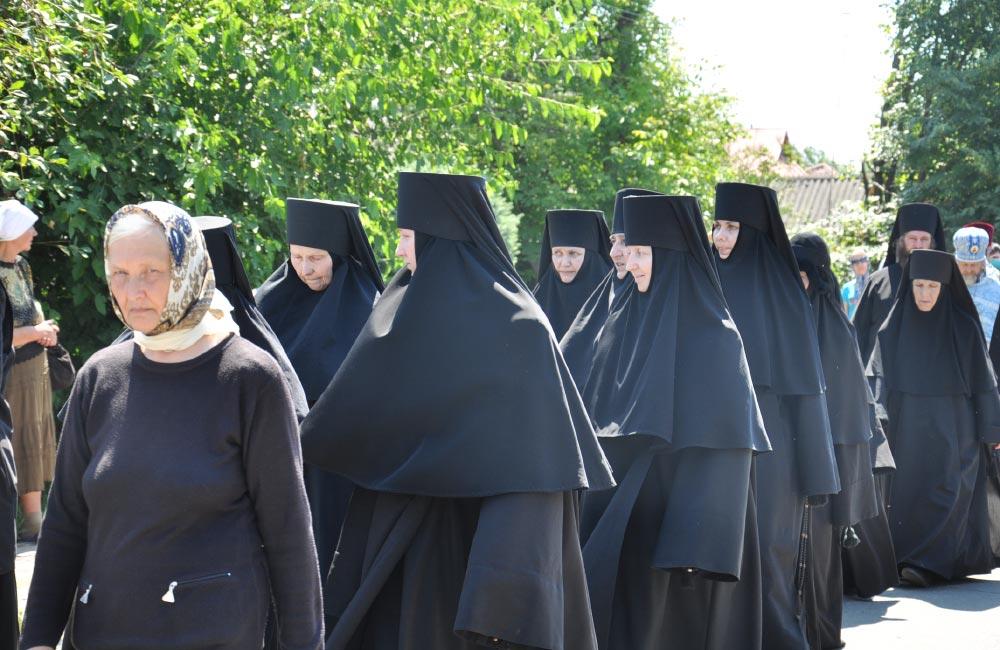 Монахині з Хрестовоздвиженського монастиря