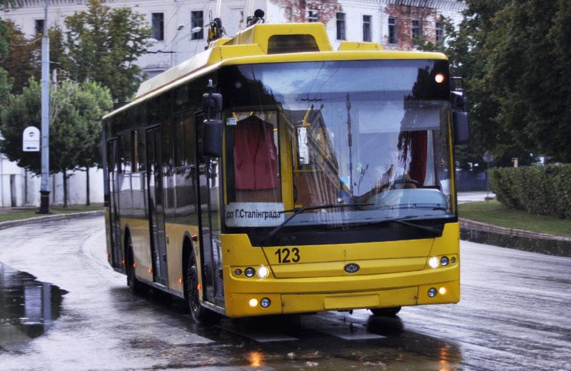 Один з 10 тролейбусів Богдан-Т70110, які Полтава закупила в 2011 році