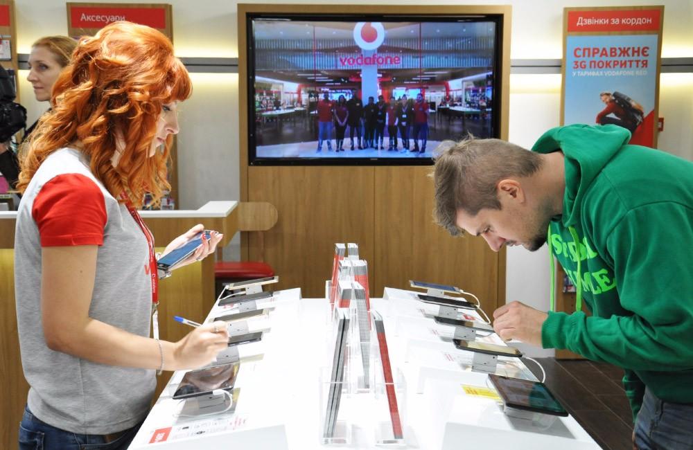 У новому магазині доступний безлімітний тест-драйв ТОП-10 флагманських пристроїв