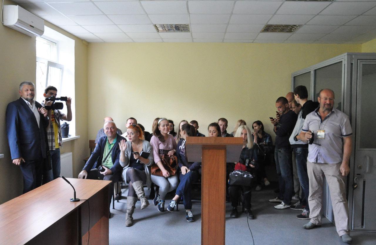 Журналісти та блогери Полтави прийшли підтримати своїх колег