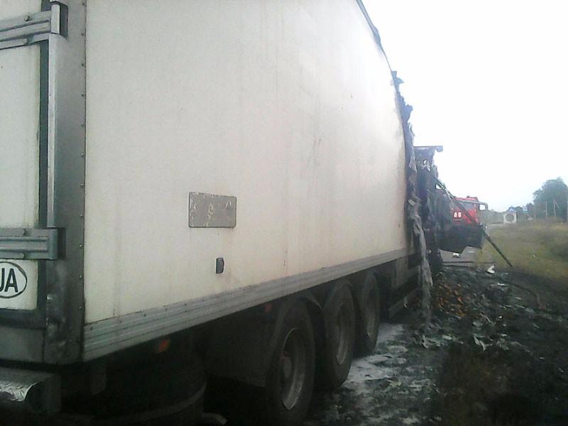 Полтавская область: cотрудники экстренных служб устранили пожар вгрузовом автомобиле