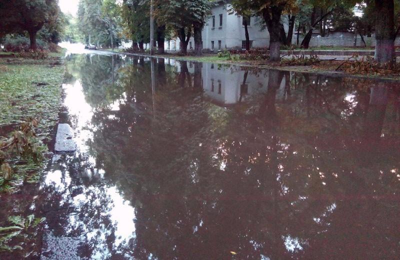 Проблема з водовідведенням на відремонтованій ділянці дороги