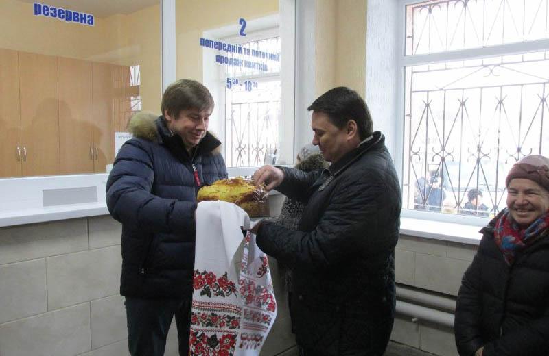 Олександр Біленький та Андрій Пісоцький на відкритті автостанції