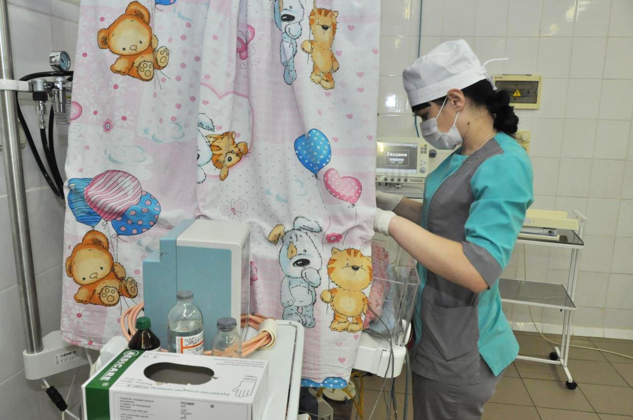 У обласній дитячій лікарні маленьких пацієнтів виходжують на сучасному обладнанні
