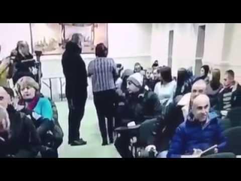 На зустрічі з «Успішною країною» націоналісти ховали обличчя (2017.02.02)