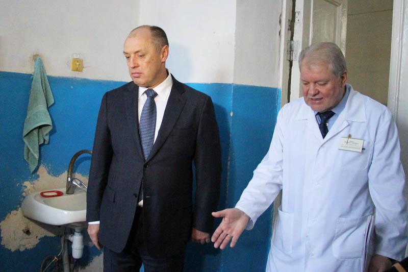 Олександр Мамай та головний лікар 3 МКЛ Анатолій Рудич