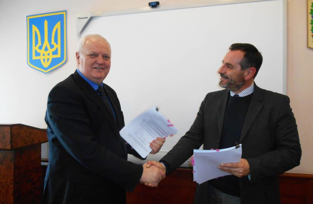 Підписання договору з директором інтернаціонального тендерного Департементу TBS Group S.P.A. Gianluc