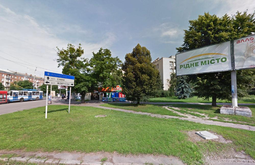 Територія ділянки на вул. Соборності, 48н — місце розміщення нових кіосків