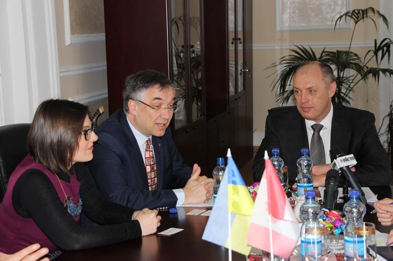 Зустріч з Надзвичайним і Повноважним Послом Канади в Україні Романом Ващуком