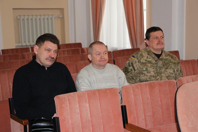 Члени Координаційної ради на засіданні виконкому