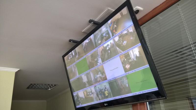 Монитор видеонаблюдения диспетчерских служб