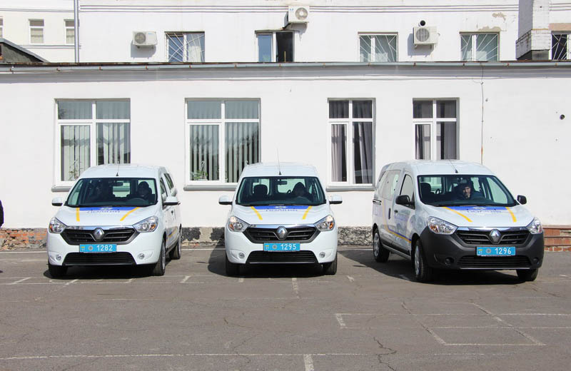 Три новеньких Renault Dokker