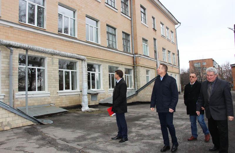 Якість виконання робіт у ЗОШ №25 особисто перевірив депутат Полтавської міськради Андрій Матковський