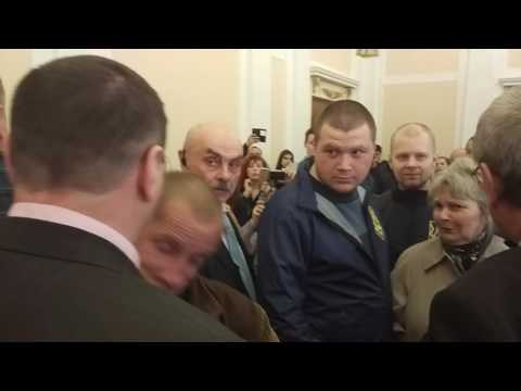 Сашко Масюк знову б'ється на сесії (2017.03.24)
