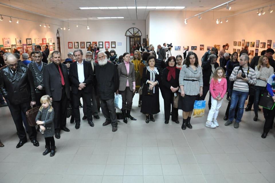 Кожного року «Карлюка» збирає у заліПолтавського художнього музеютворчих людей з почуттям гумору.