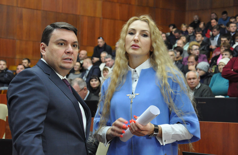 Депутати облради Андрій Пісоцький та Ірина Степаненко