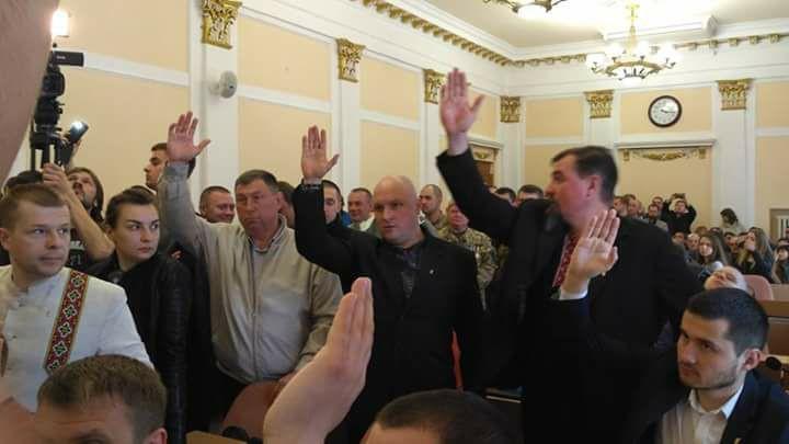 Депутати проголосували на скликання сесії