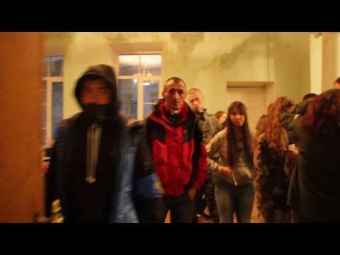 Сесійну залу міськради обшукують вибухотехніки. Полтава, 9 квітня