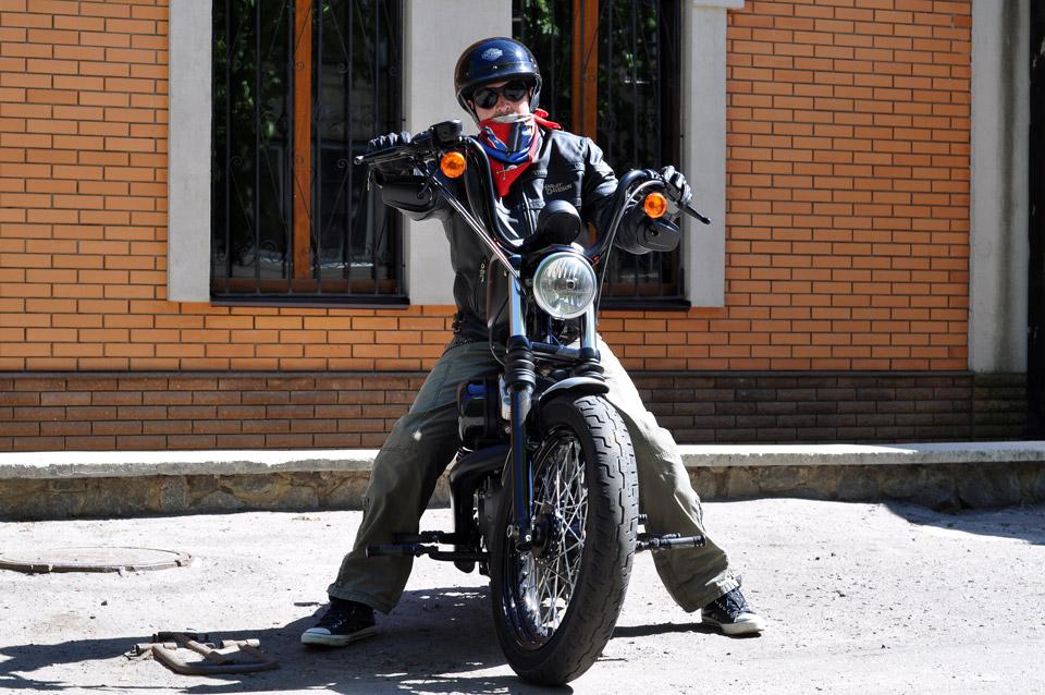 «Harley Davidson» виглядає брутально.