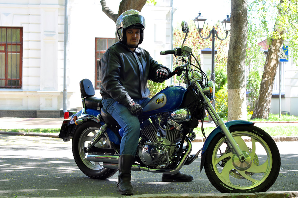 Японський чопер «Yamaha Virago».