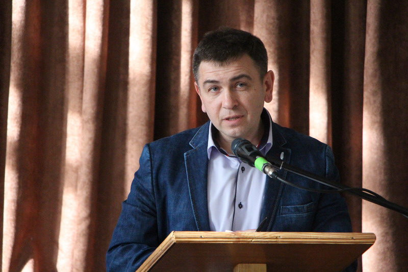 Голова міської батьківської ради, представник школи №34 Віктор Сердюк