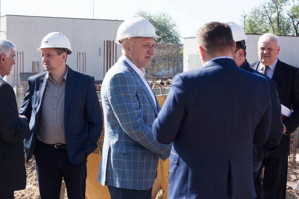 Валерій Головко перевірив хід робіт на будівництві
