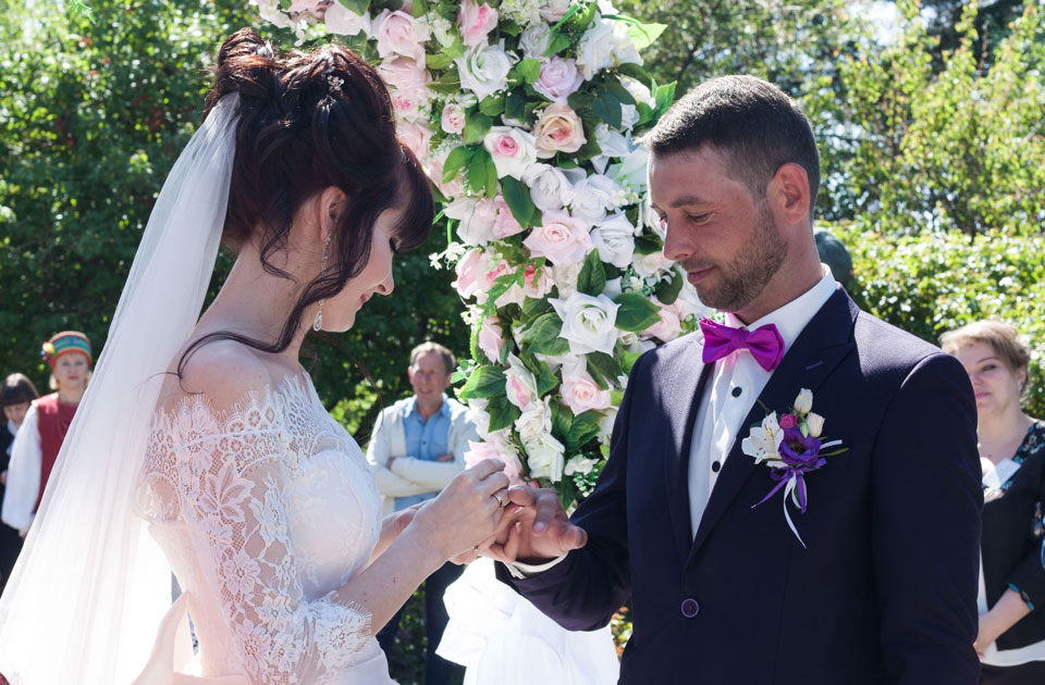 Подружжя Горобець оформило шлюб за добу
