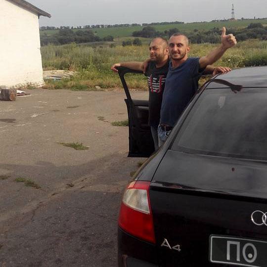 Шалва Вардосанідзе та Валеріан Осіашвілі біля Audi A4