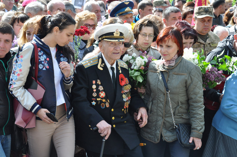 Ветерани з бойовими відзнаками, які брали участь у Другій світовій війні.
