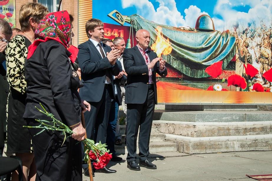 Керівницво області на святкуванні у Семенівці