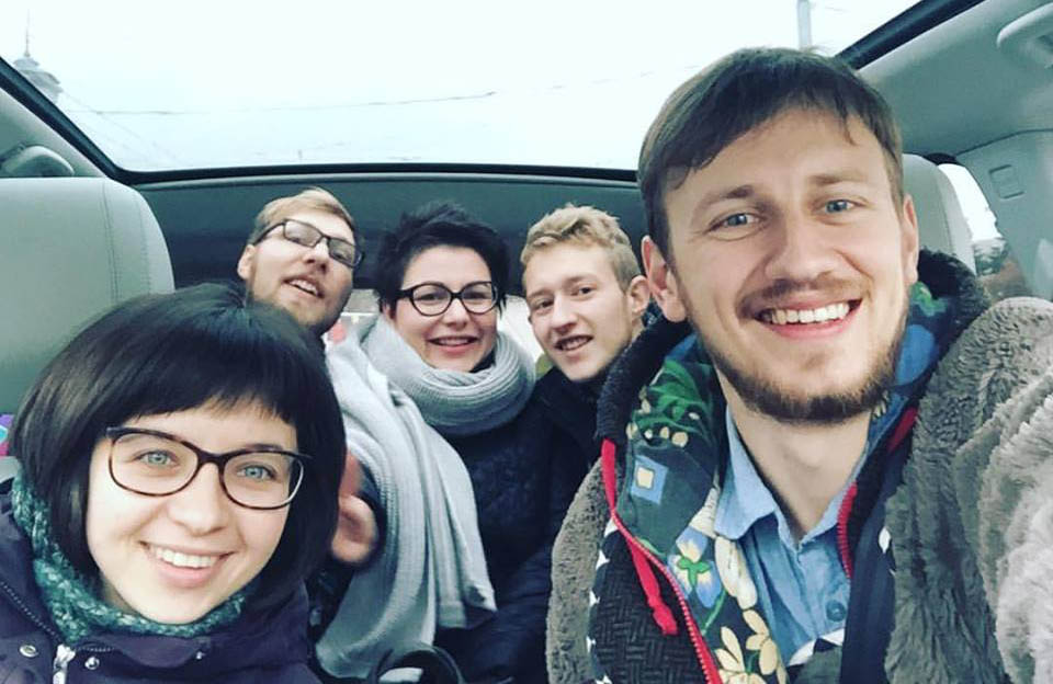 Учасники проекту та Ірина Земляна у дорозі | Фото Наталки Панченко