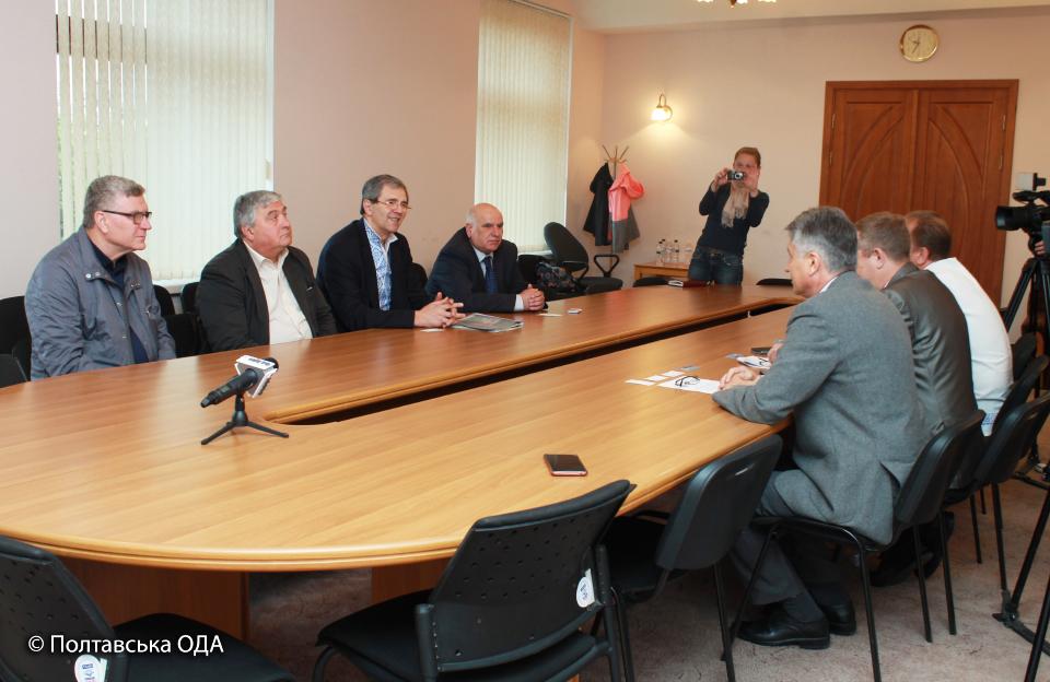 Зустріч керівництва облдержадміністрації з членами Президії МБФ «Хан Кубрат»