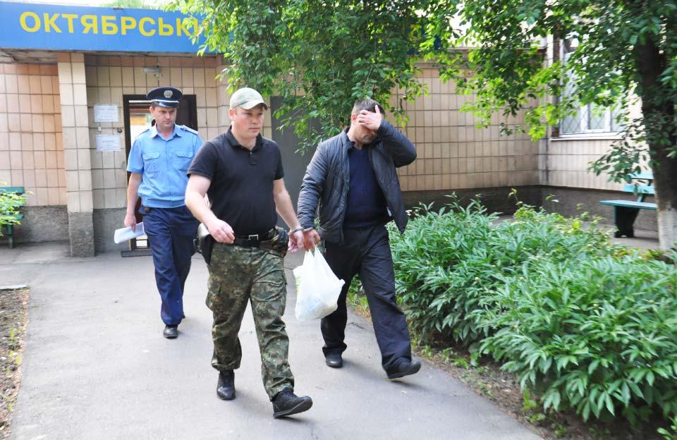 Руслана Гнєздова виводять з Октябрського райсуду