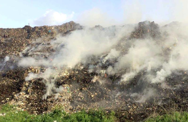 Пожежа на Полтавському сміттєзвалищі у Макуховці