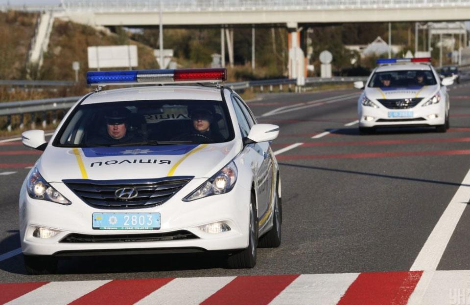 Патрульні поліцейські на Hyundai Sonata