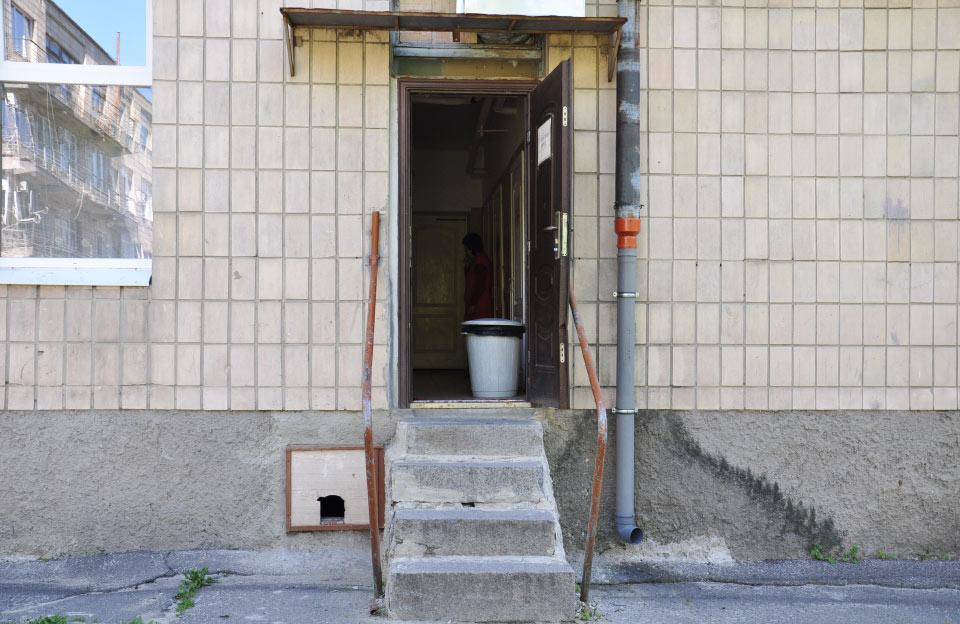 Окремий вхід в терапевтичне відділення з вулиці