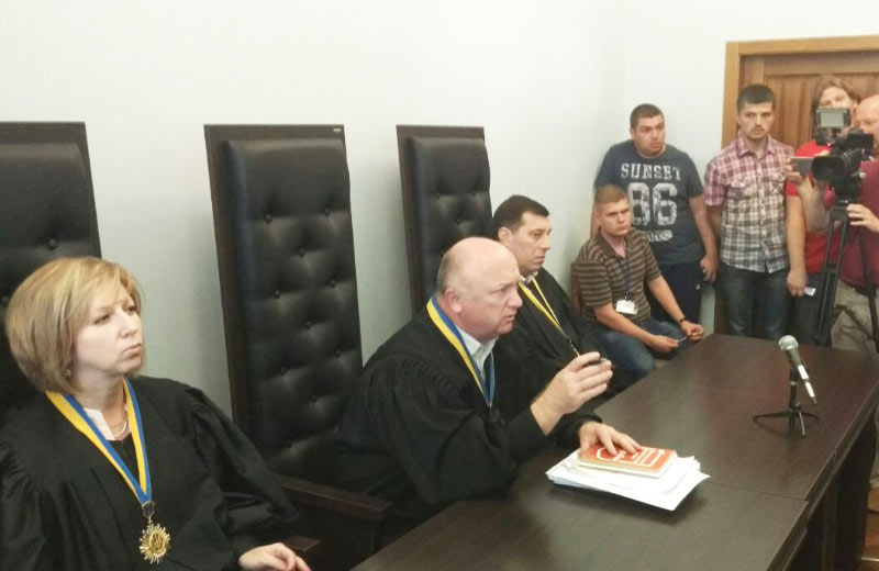 Судді Вікторія Герасименко, Андрій Рябішин та Олександр Захожай