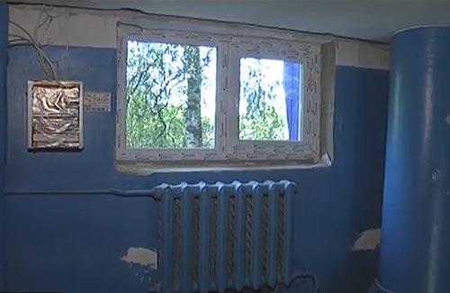 Нові вікна у під'їздах будинку по Гетьмана, 13