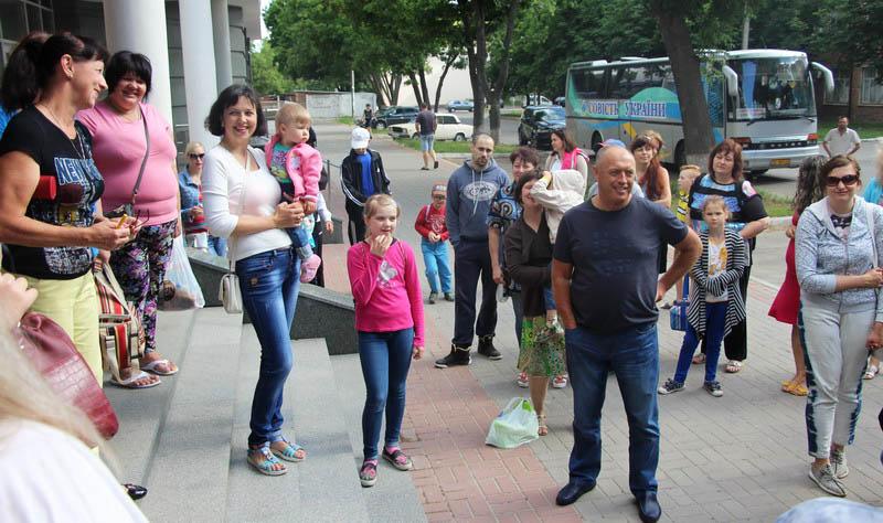 Міський голова Олександр Мамай особисто бажав щасливої дороги кожній групі