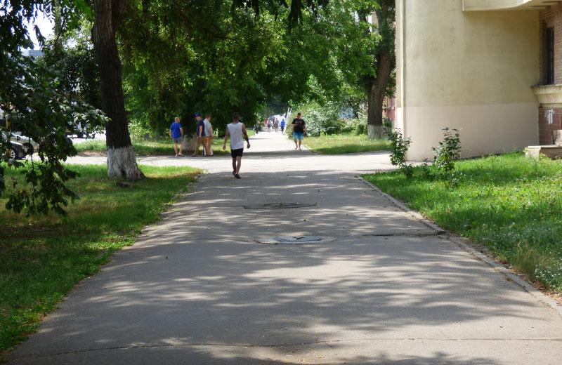 Ділянка тротуару на Зіньківській, яку планують відремонтувати