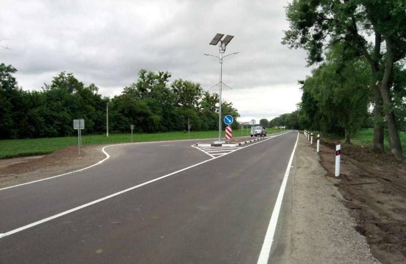 Очільник Укравтодору Славомір Новак перевірив наПолтавщині систему Traffic calming measures