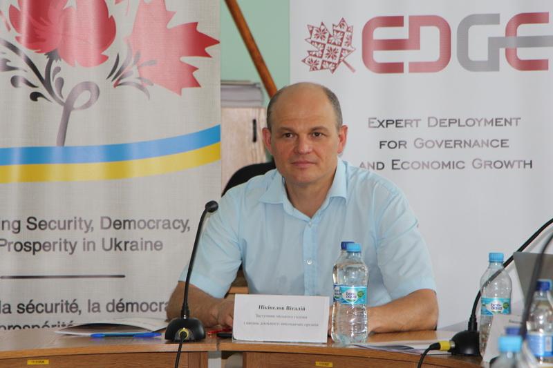 Заступник міського голови з питань діяльності виконавчих органів Віталій Нікіпелов