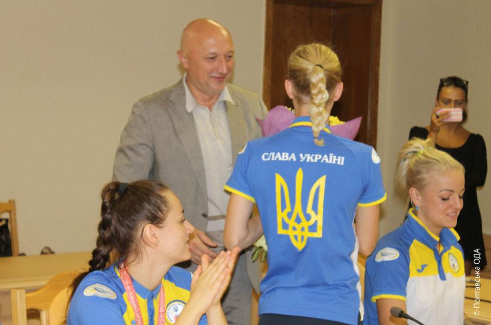 Валерій Головко вітає спортсменів