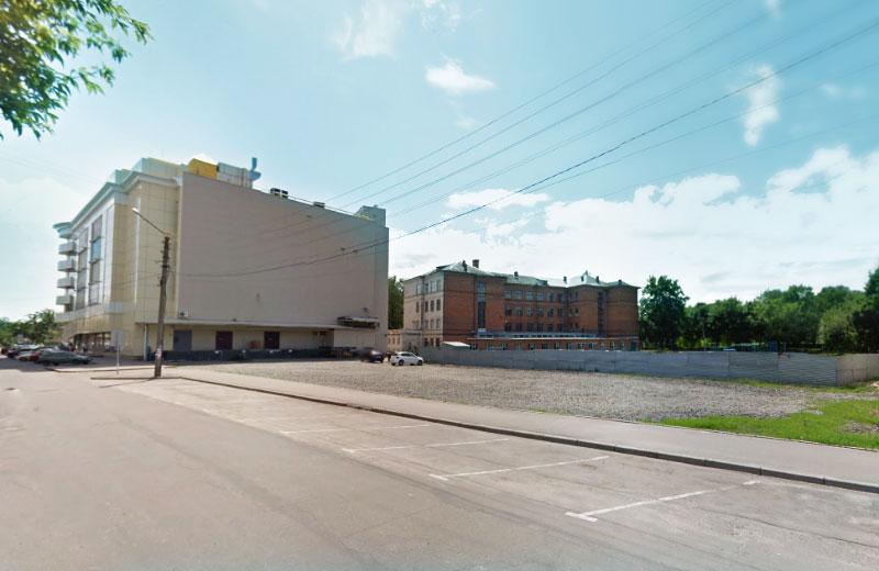 На вулиці Остапа Вишні легалізують міні-автостанцію з маршрутами на Кременчук та Горішні Плавні