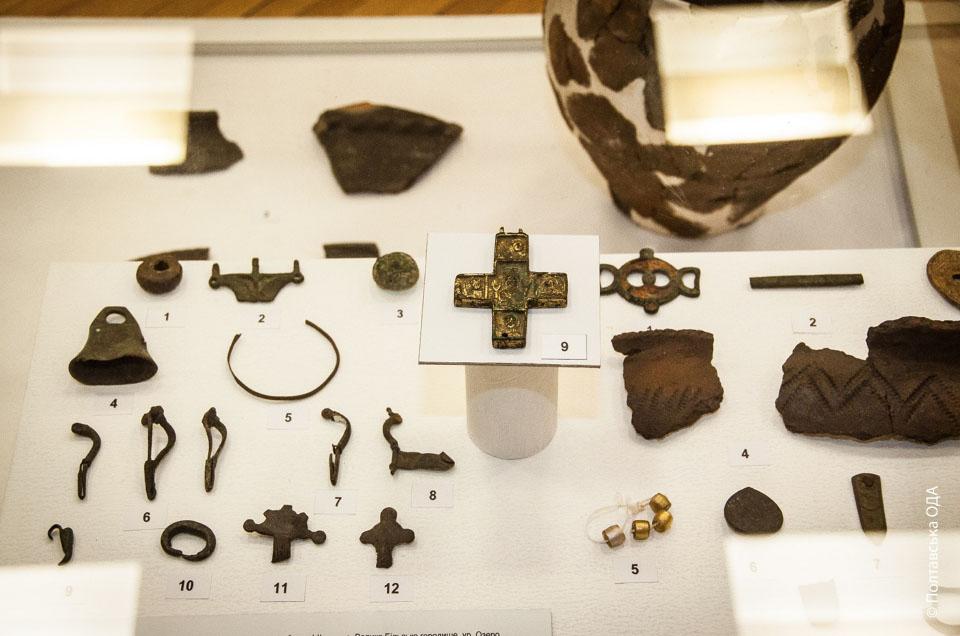 В експозиції представлено близько 800 пам'яток всесвітнього значення